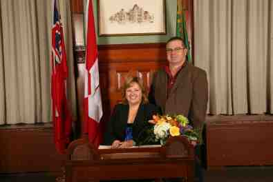 lisa-thompson-swearing-in