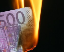 euro burning-thumb