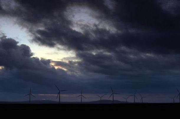 wind-turbine-6089697