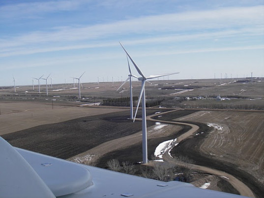 north-dakota-wind-farm-2