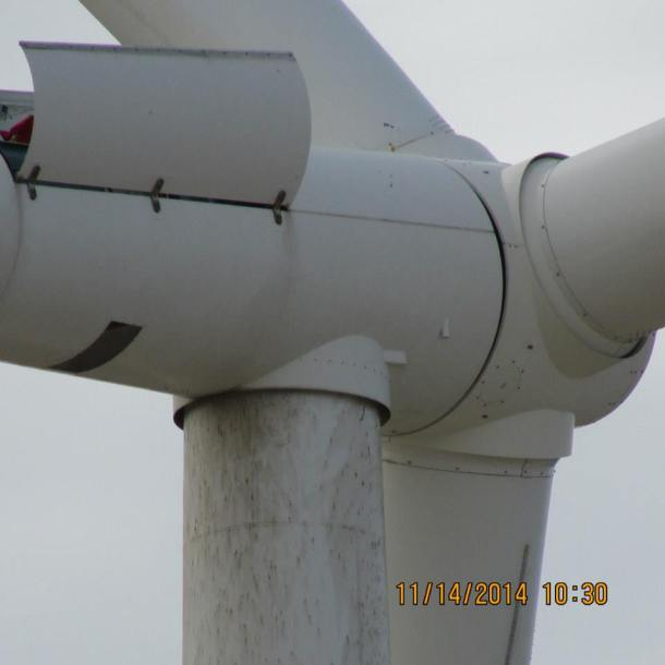 More oil leaks from the wind turbines at Ocotillo, California